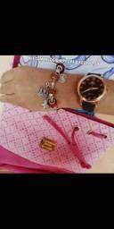 Kit Relógio, Pulseira e Bolsa