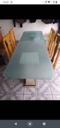 Mesa linda de vidro com pé de mármore