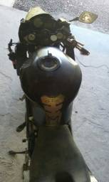 Sucata de moto para retirada de peças Kasinski Comet 650r