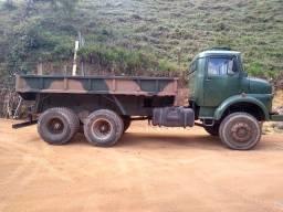 Caminhão militar 1819