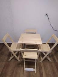 Vendo Kits de Mesa com Quatro Cadeiras