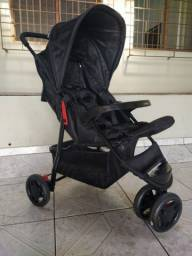 Carrinho Voyage com bebê conforto!!