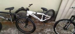 Vendo gios 4trix bike de wheeling chama no chat