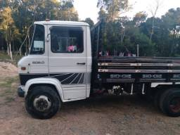 Caminhão 608D
