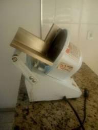 Semi nova. Máquina cortador de frios