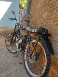 Bike motorizada no grau, só pegar e andar