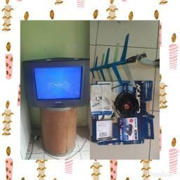 Tv de tubo cineral,e atena conversor digital