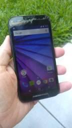 Celular Moto G3, funcionando perfeitamente.