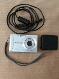 Câmera Fotográfica Olympus T-100