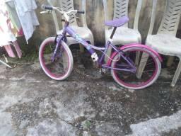 Vendo uma bicicleta Infantil feminina