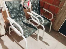 Título do anúncio: 2 cadeiras, conservada 40$