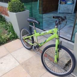 Bicicleta Infantil Aro 20 - Cor verde - R$ 250,00
