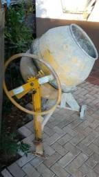 Desapegando betoneira 150 litros