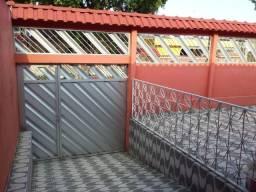 Vendo Casa no Conjunto Santos Drumond 3 quartos sendo 2 suítes Aceita Financiamento