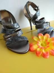 591035b9c0 Roupas e calçados Femininos - Região de Foz do Iguaçu