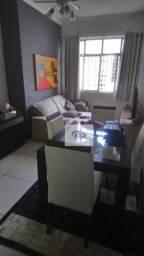 Apartamento quadra da praia de Icaraí.