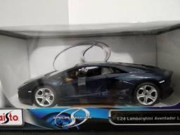 Miniatura Lamborghini Aventador 1/24 comprar usado  São Caetano do Sul