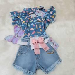 Short Jeans + Blusa Babado + Pochete