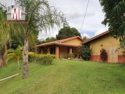 Linda chácara com 02 dormitórios, piscina, campinho, à venda em Pinhalzinho/SP