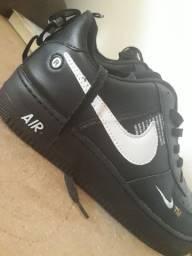 Tênis Nike Air Force One 42