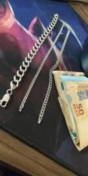 Vendo 3 correntes de prata aceito troca em algo do meu interesse