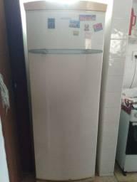 Vendo geladeira Brastemp