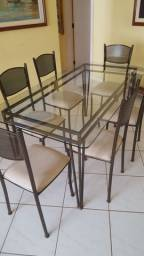 Vendo mesa 6 lugares ferro com tampo de vidro