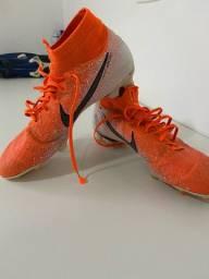 Chuteira Nike Mercurial Original com pequeno defeito