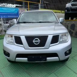 Nissan Frontier com multimídia