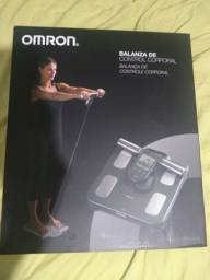Balança de bioimpedância OMRON 514-C