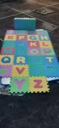 Tapete infantil abecedário em e.v.a- novo- na embalagem.