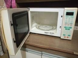 Título do anúncio: Microondas, forno elétrico e climatizador de ar