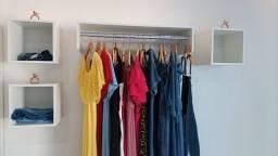 Vendo móveis completos novos para loja de roupas