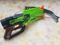 Nerf zombie strike crosfire bow lançador de dardos
