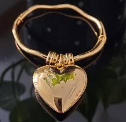 Bracelete cor Ouro e Pingente de Coração ?