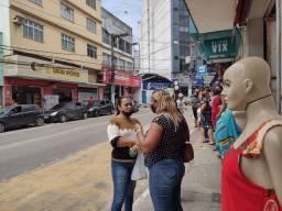 Passo ponto comercial na Av Expedito Garcia
