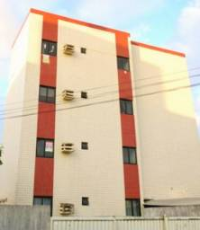 Apartamento no José Américo com 2 quartos e uma vaga de garagem. Pronto para morar
