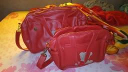 Vendo jogo de bolsas maternidade na cor vermelha em bom estado