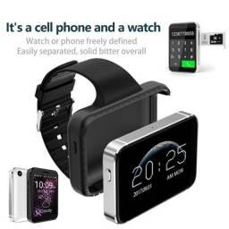 Relógio inteligente e celular