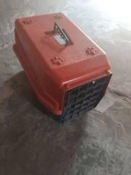 Caixa transportadora de cachorro