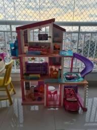 Casa da Barbie impecável