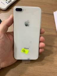 Título do anúncio: iPhone 8 Plus 64GB branco, dourado e preto.