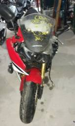 Sucata de moto para retirada de peças CBR 600f 2013