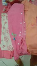 Lindas roupas Inverno menina
