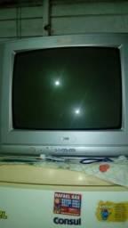 Vendo essa televisão, perfeita