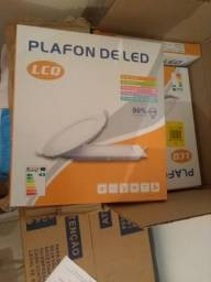 Luminária de led na caixa .