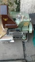 Maquina overloque shai 838c torrando
