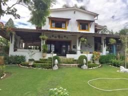 Casa em Aldeia 450m² 4 Quartos 2 Suítes - Cond. Excelente