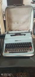 Máquina de Escrever antiga Olivetti