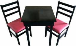 Mesas e cadeiras para hamburgueria